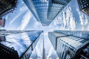 vantagens desvantagens cloud empresas