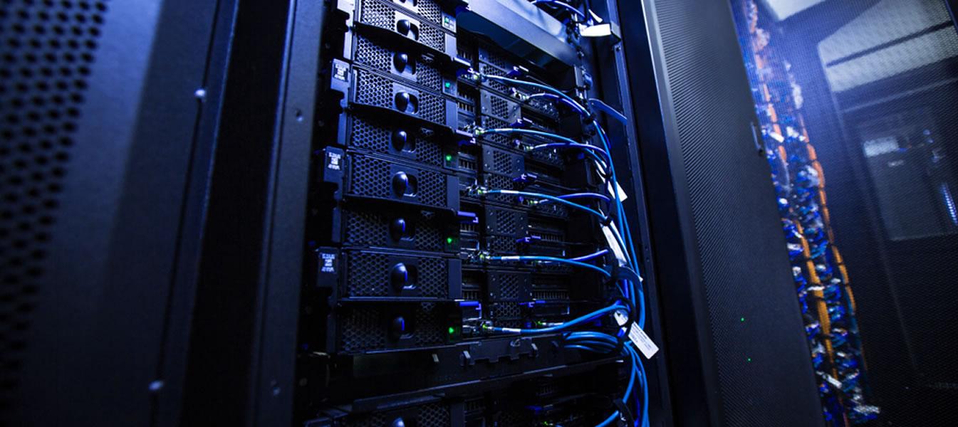 Não gaste mais com servidores, invista em cloud e gestão compartilhada de ti.